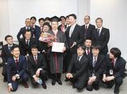 東京新聞にてレッドフォックスアルムナイの卒業式が特集されました!