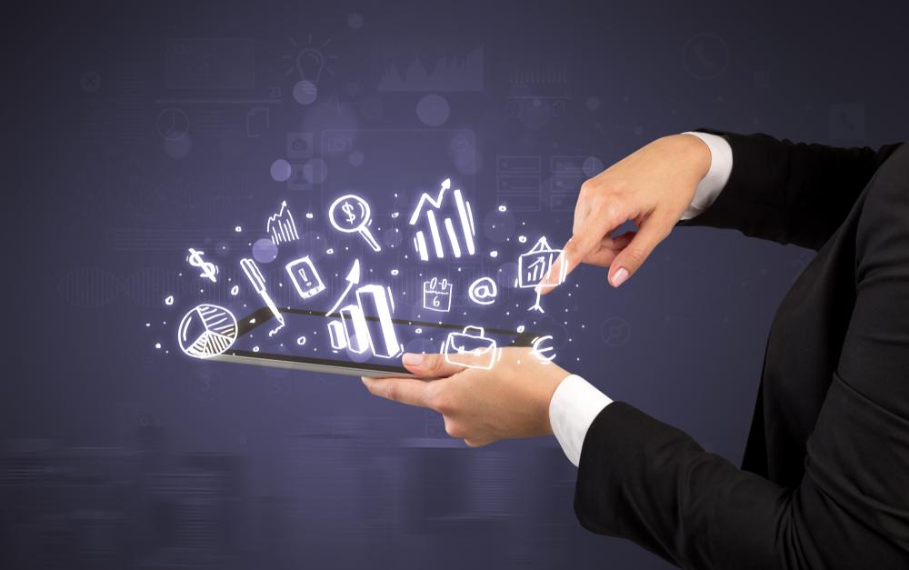保険業界の営業を効率化する営業支援アプリとは?SFA/CRMではなくSWAでデジタル化を促進