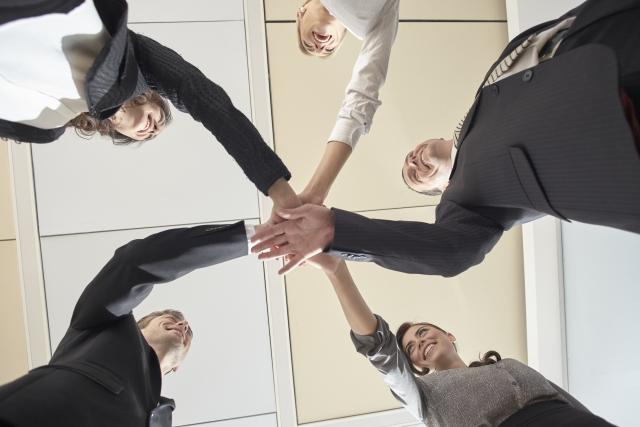 営業効率を向上させる役割分業とは