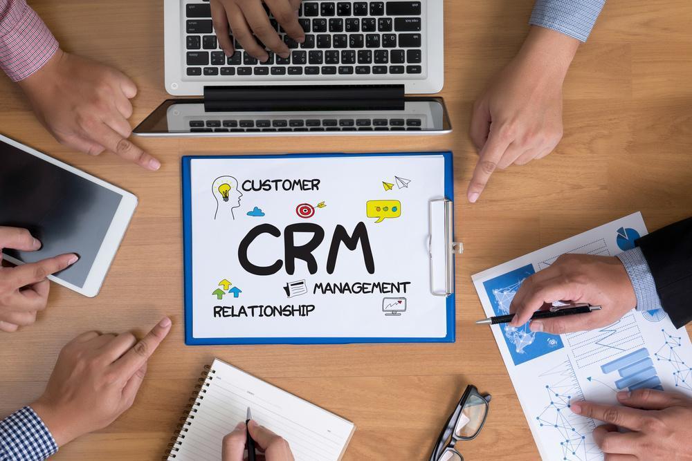 CRMツールの基本8機能・導入目的別3タイプ・3大効果とおすすめ6選